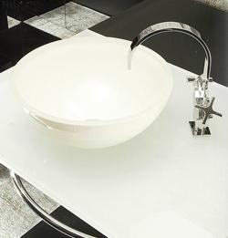Vasque en verre blanche